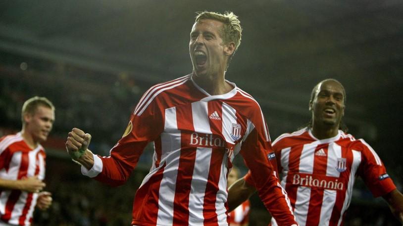 Peter Crouch celebrando un gol con el Stoke City